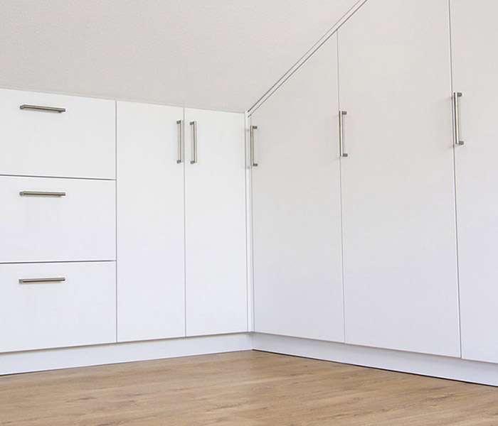 schreinerei schminder messe m bel shop tisch wand kaufen bestellen dachschr genschr nke. Black Bedroom Furniture Sets. Home Design Ideas